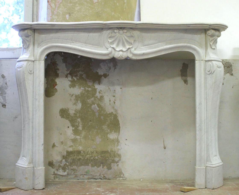 Camino Classico In Marmo camino antico in marmo bianco. antique white marble