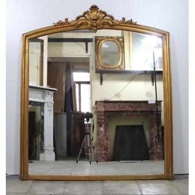 201M Elegante specchiera Luigi XV su impianto architettonico Luigi XIV