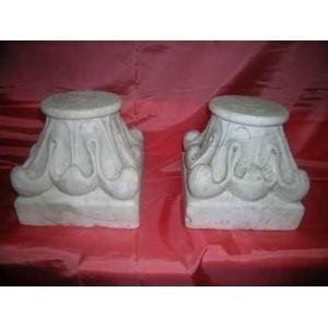 327 Coppia di capitelli settecenteschi, Statuario Carrara